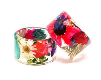 Size Medium Everything Resin Bangle.  Chunky Bangle with Real Flowers.   Personalized Bracelet