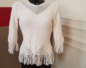 White tunic with fringe 34/36, hand knitted.