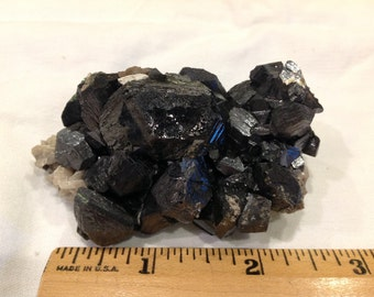 Sphalerite crystals on white Chert and dolomite Tri State District Oklahoma
