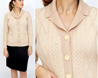 Vintage 1970s Pale Pink and Ivory Fitted Knit Cardigan | Medium
