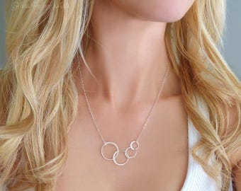 Silver Infinity Necklace, Four Circle Necklace, 4 Circle Necklace, Family Of Four Jewelry Gift, Sterling Silver Linked Circle Jewelry,