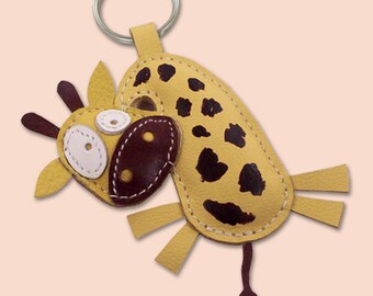 Cute little giraffe animal leather keychain - FREE Shipping Worldwide - Leather Giraffe Bag Charm