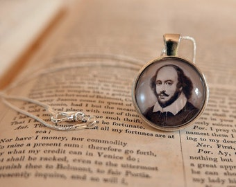 William Shakespeare Pendant Necklace - Literary Jewelry, Library Necklace , Gift For Reader, Bibliophile, Book Lover, Classic Jewellery