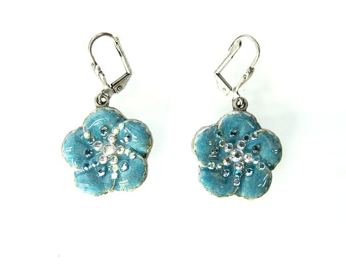 Cute women earrings floral earrings floral design