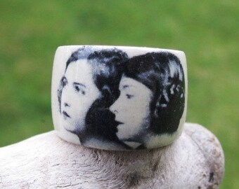 Dorothy and Lillian Gish -- adjustable wood ring