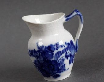 Royal Copenhagen - Blue Flowers / Blå Blomster # 392 - Creamer - 1970's - Excellent Condition - First Quality - Danish Porcelain