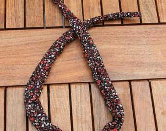 headband pattern red flower on black wire