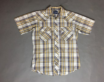 Vintage western shirt / vintage mens western shirt / snap western shirt / button down shirt / plaid shirt / Wrangler 8249
