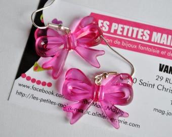 Pink 30 mm x 23 mm knot earring