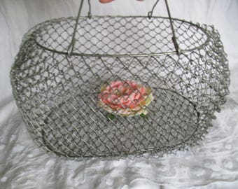 Vintage wire basket, egg basket, salad sling, old metal basket, old wire basket, shabby egg basket, shabby wire basket, fruit basket,