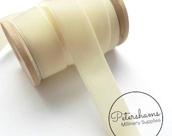 22mm Berisfords Velvet Ribbon for Millinery, Hat Trimming & Crafts 1 metre (1.09 yards) - Ivory (9564)