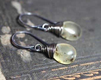 Moos Opal Ohrringe Antik Silber Draht umwickelt glatte Briolette-Edelstein-Schmuck