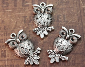 10 Owl Charms Owl Pendants Antiqued Tibetan Silver Tone 15 x 27 mm