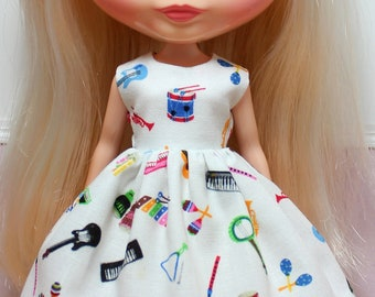 BLYTHE doll Its my party dress - musical instruments