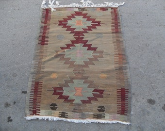 free shipping VINTAGE TURKİSH mut kilim Anatolian handwoven kilim rug decorative kilim - SİZE : 34'' X 49'' ( 86 cm X 123 cm)