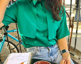 Vintage Green blouse with flaps Made in USA size Small 1970s 70s