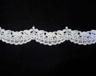 Small Rose Swag Lace Trim