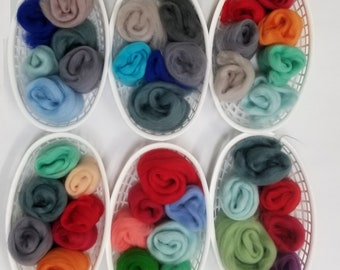 FREE shipping!!!  1 ounce mixed color grab bag  ◾  21.5 micron ◾ Merino Roving wool ◾ 66s ◾