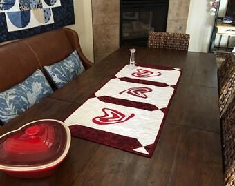 Valentine Heart table runner