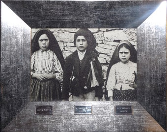 Frame of The Three Shepherds of Fatima original from Fatima