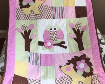 Hedgehog Baby Quilt in Pink/Green/Yellow