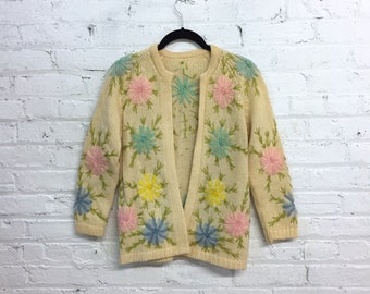 Vintage 60s flower embroidery sweater / 1960s cream knit cardigan / floral embroidery flower power cardi
