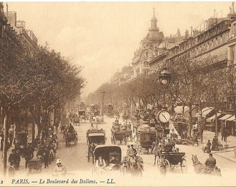 Paris, France, Le Boulevard des Italiens,  Antique Circa 1910 Unused Postcard.