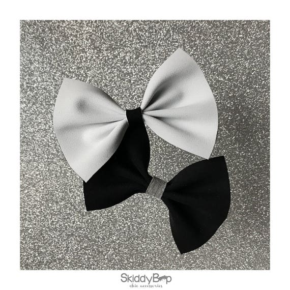 Double Sided Black/White Bow