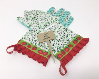 Strawberry Gardening Gloves. Work Gloves for Women. Mother's Day Gift. Master Gardener Present.