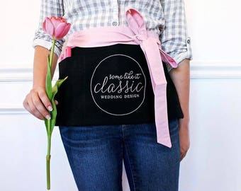 custom apron (SHORT) : vendor apron, custom embroidery, wedding planner apron, florist apron, stylist apron, crafter apron