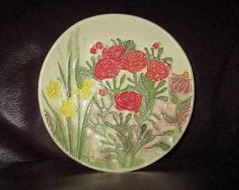 "Red Roses & Yellow Daffodils Ceramic Ring - Candy - Trinket - Soap Dish   5""                                     289"