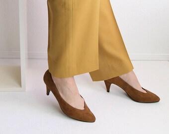 VINTAGE Suede Pumps 1980s Heels Soft Brown Size 6.5