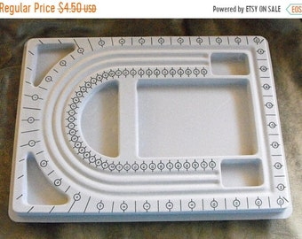 Mothers Day Sale One New Grey Flocked Plastic Multiple Compartment Jewelry Design Bead Board Great Jewelry Making Tool