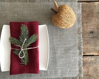 Christmas Napkins, Maroon Red Linen Napkins, Cloth napkins, Red Napkins, Maroon Napkins, Christmas Table, Holiday Table, Set of napkins