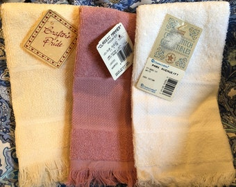 Small Practical Cross Stitch Projects : Baby Bib, Needle Case, Fingertip / Guest Towels Assorted COLORS, Oven Mitt, Tie Towel, Pillow Cover