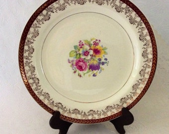 "Stetson plates Warrented 22 KT Gold - 10 1/8"" - 8 Porcelain dinner plates - Made in the USA - floral pattern - gold filigree rim"