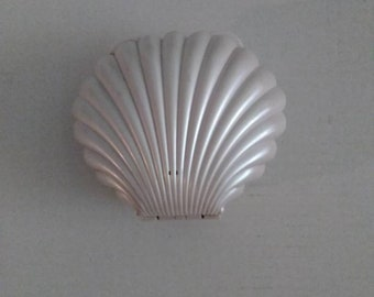 Vintage  Off White  Conair Clam Shell  Novelty  Phone