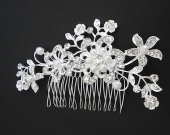 Bridal Hair Comb. Crystal Flower Hair Piece. White Pearl Vintage Leaf Comb. Wedding Hair Accessories. Bridal Crystal Comb.Silver Comb