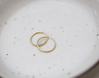 14K gold Endless Hoop Earrings // 14K solid Gold Hoop Earrings // white gold Big hoops / Big circle Earrings // Gifts for her