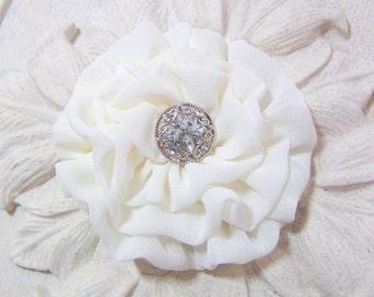 Ivory Flower Headpiece.flower Pin.ivory flower hair clip.wedding.bridesmaid.chiffon brooch.Off white.Chiffon Flower.bridal hair clip.ivory