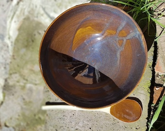 Stoneware honey and blue salad bowl with its spoon