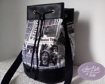 Sac sceau en simili et tissu noir et blanc, sac bourse bi-matière imprimé journaux,sac printemps porté épaule
