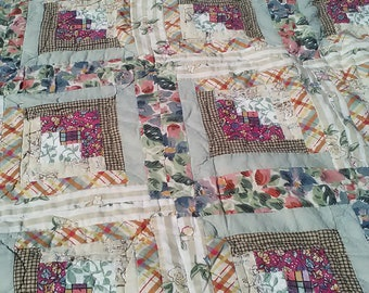 Antique Hand Made Hand Quilted Log Cabin Quilt 1920's/1930's Fabrics