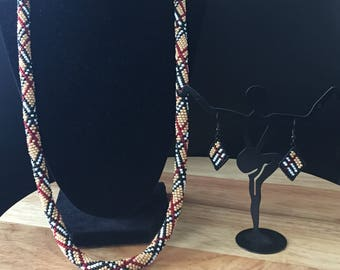 Plaid print crochet beaded rop chain with matching earrings