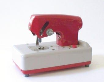 Vintage rouge coudre-ETTE machine à coudre jouet