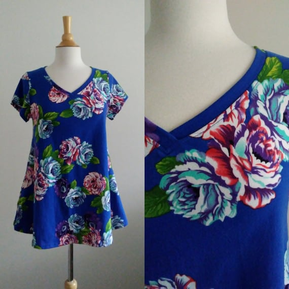 Women's Vneck Floral Swing Top Royal flower print botanical short sleeve blouse loose fit cotton shirt womens summer top - Made to Order