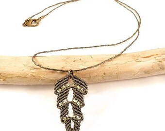 Micro macrame khaki leaf necklace