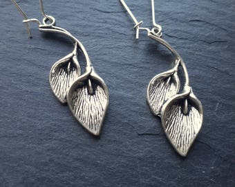 Lily Earrings