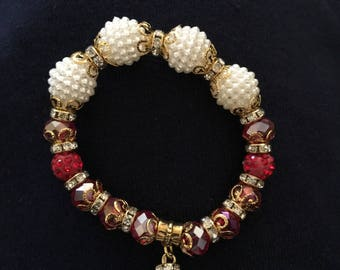 Red and white stretchy bead bracelet