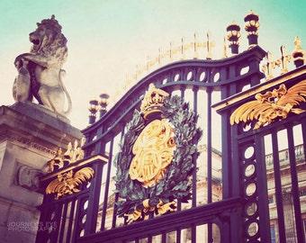 Buckingham Palace photo, London art, retro photography, London photograph, home decor - Royal Abode
